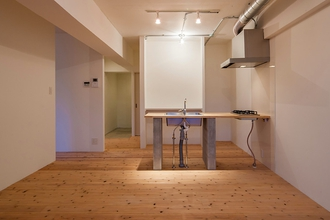 和室のみだった部屋を、杉フローリングを使用したぬくもりたっぷりのモダンな部屋に