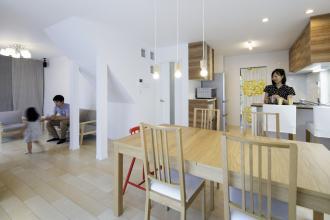 物件探しも宅建士と建築士が一緒で安心、憧れの大空間LDKをカタチに。