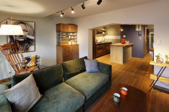 ちょっぴりレトロ 隠れ家みたいなカフェ風リノベ -おばあちゃん家を引き継いで-