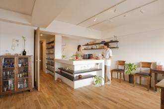 こだわりたかった無垢の床と対面キッチン