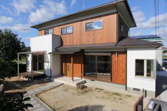 築35年の焼板貼りの家のリノベ-ション