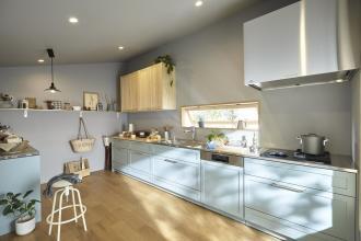 「木のキッチン」の家