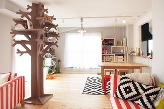 シンボルツリー「KININARUKI」がある北欧インテリアの似合う家