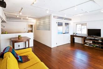 block ~ ブロックをポンイトに、素材感や光の使い方にこだわった家